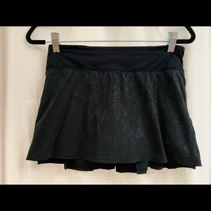 Lulu Lemon black pleated tennis skirt